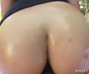 Round Ass Fuck animated GIF
